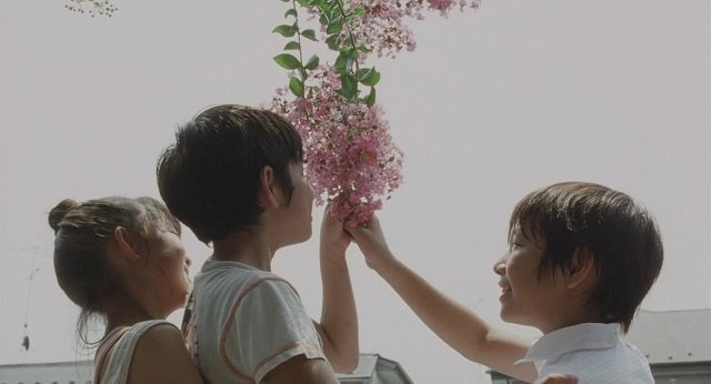 Still Walking Koreeda Children Playing